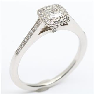 ティファニー (TIFFANY&CO) レガシー ダイヤモンド リング 指輪