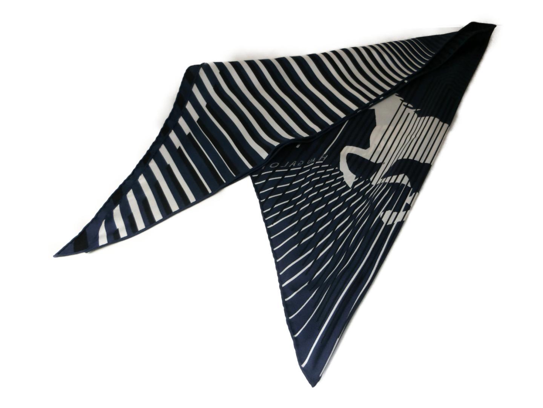 三角スカーフ