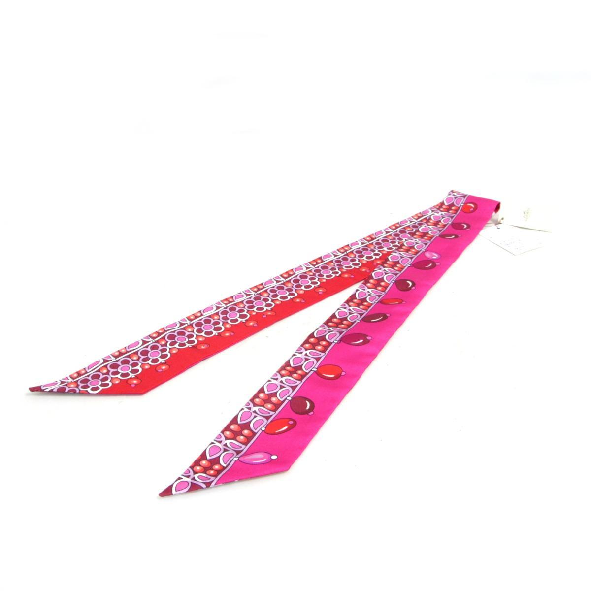 トゥイリー スカーフ マハラジャの装身具