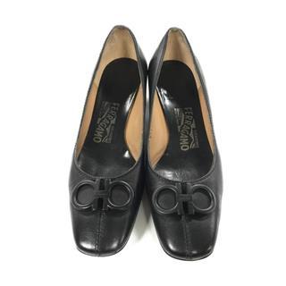サルヴァトーレ・フェラガモ (Salvatore Ferragamo) パンプス 靴